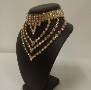Deja Vous Jewelry - NWT V-Choker